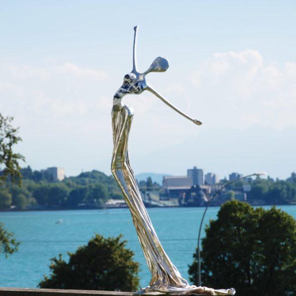 silberne Skulptur für den Park_Carbon Couture_Outdoor | Nonos