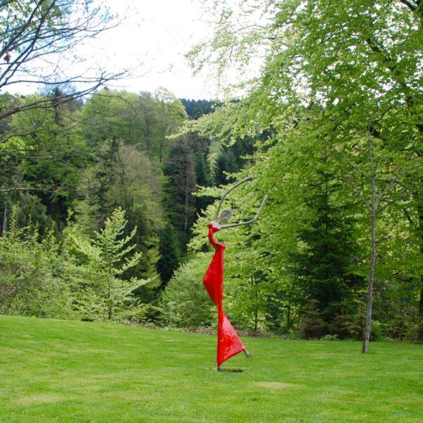 rote Skulptur für den Park_CarbonCouture | Nonos