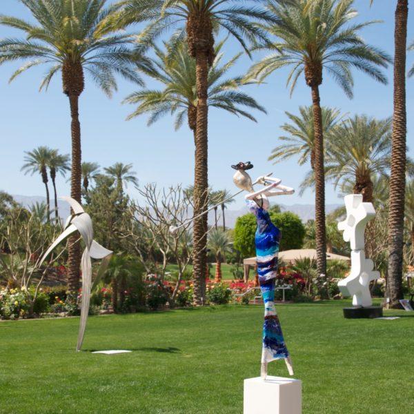 blaue Skulptur für den Park_CarbonCouture | Nonos