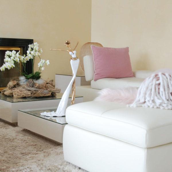 goldene, weiße Bronzeskulptur_Interior Design_Artdepot | Nonos