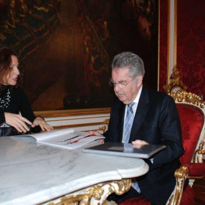 Mercedes und Franziska Welte - NONOS - zu Besuch beim Bundespräsident Dr. Fischer