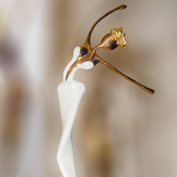 weiße Bronzeskulptur_Artdepot | Nonos