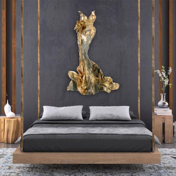 goldenes Kleid aus Karbon und Harz_Carbon Couture | Nonos