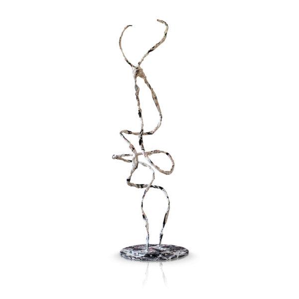 abstraktes Kunstobjekt aus Metall, Fiberglas_weiß, schwarz, rot_Interior Design | Nonos
