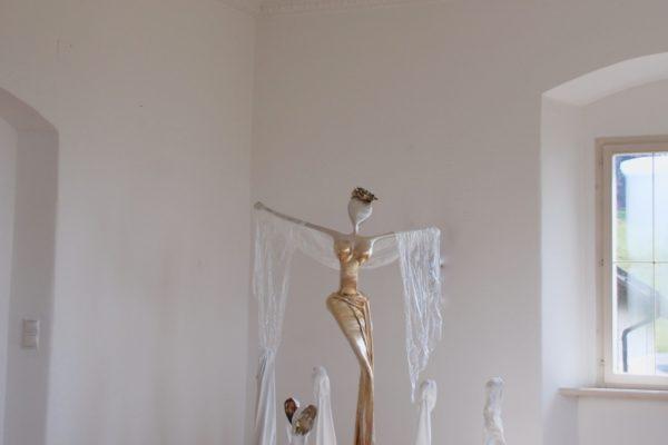 goldene, weibliche Skulptur aus Stahl, Fiberglas und Epoxydharz_Interior Design | Nonos