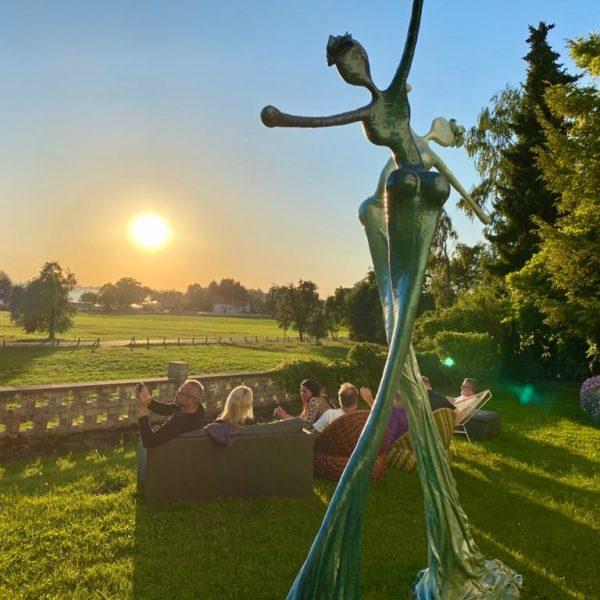 weibliche Skulpturen für den Garten_Outdoor | Nonos