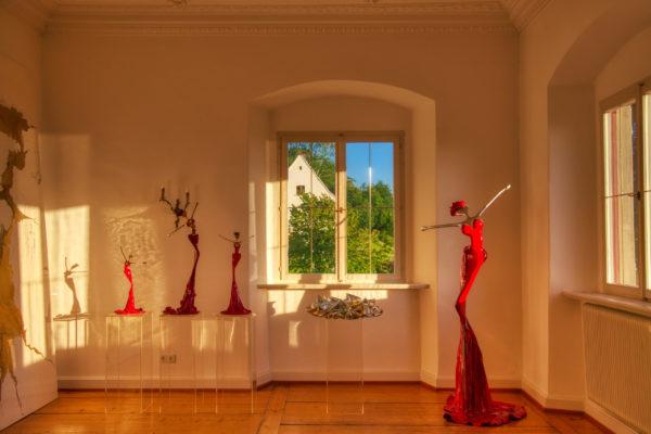 rorte, weibliche Skulpturen Stahl, Fiberglas, Epoxydharzen_Interior Design | Nonos