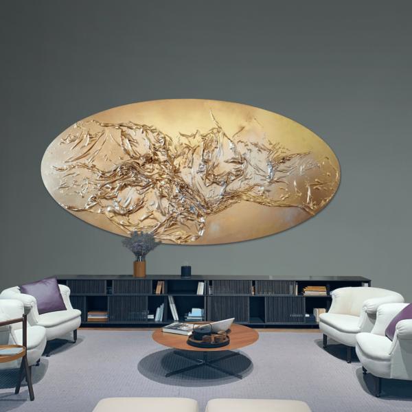 goldenes, ovales Wandobjekt_Abstrakte Kunst_Interior Design | Nonos