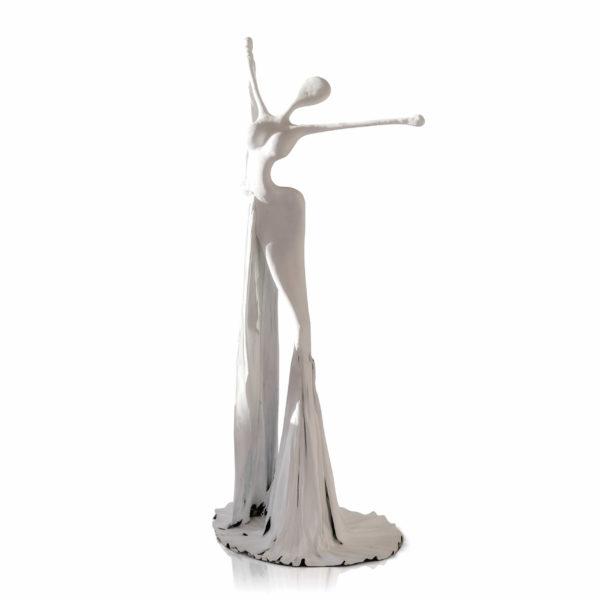 weiße, weibliche Skulptur aus Plastik_Interior Design | Nonos