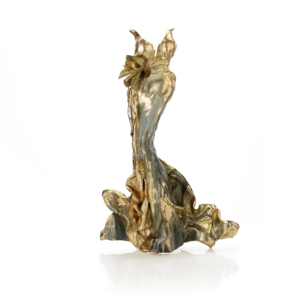 goldenes Kleid aus Karbon und Harz_Pearl_carbon couture | Nonos