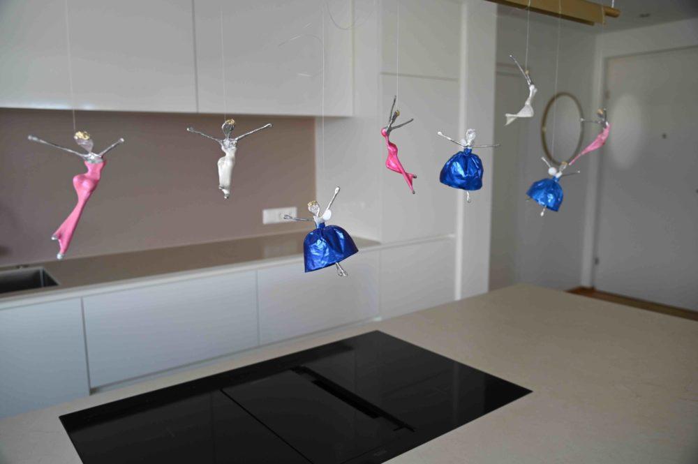 blauer Schutzengel aus Metall und Papier_Interior Designs   Nonos